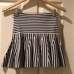 Juicy Couture navy and cream striped skirt size XS